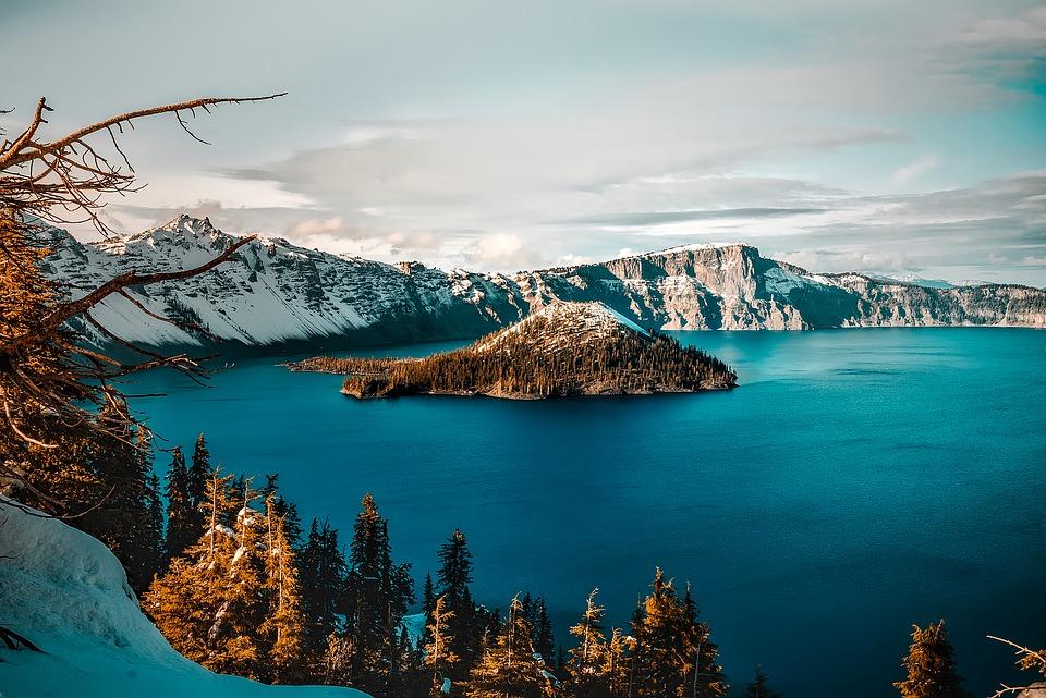 crater-lake-1751456_960_720