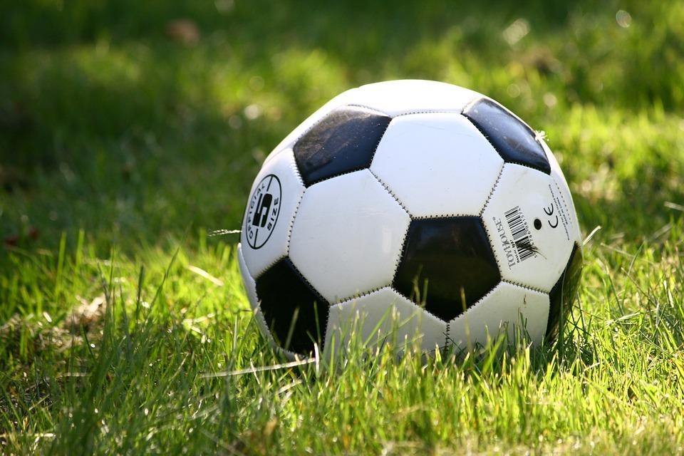 football-1396740_960_720