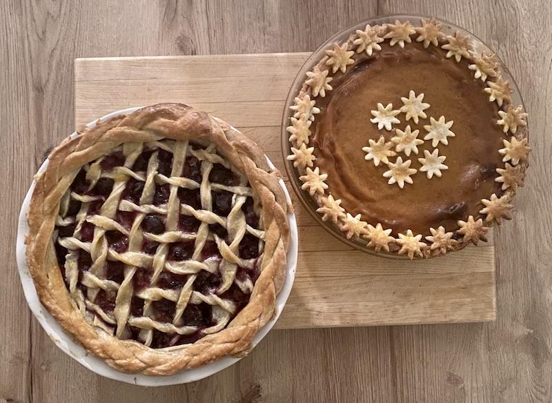 pumpkin pie and cherry pie